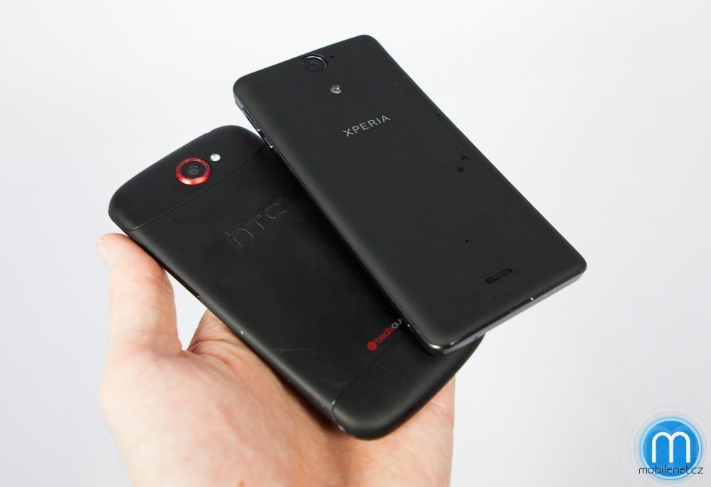Sony Xperia V a HTC One S