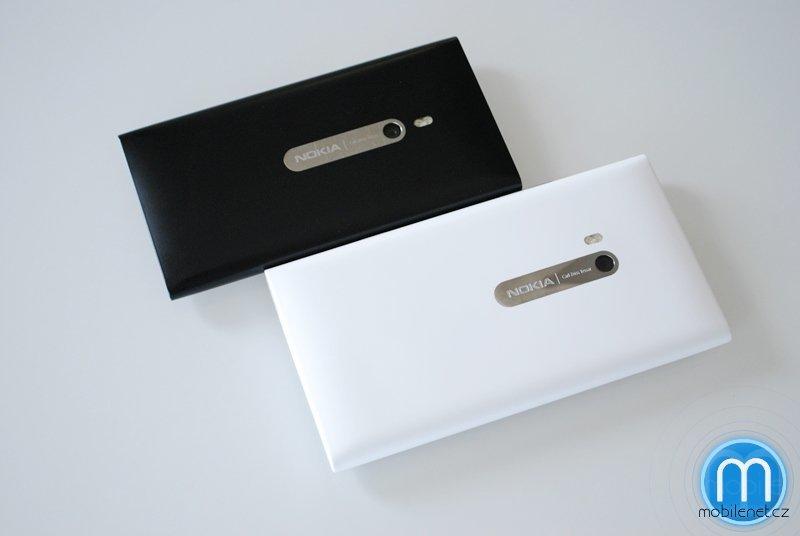 Srovnání Nokia Lumia 900 a Nokia Lumia 800