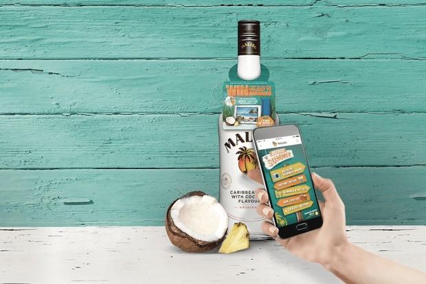 Alkohol a NFC. Bezkontaktní štítky se opět objevují na lahvích Malibu