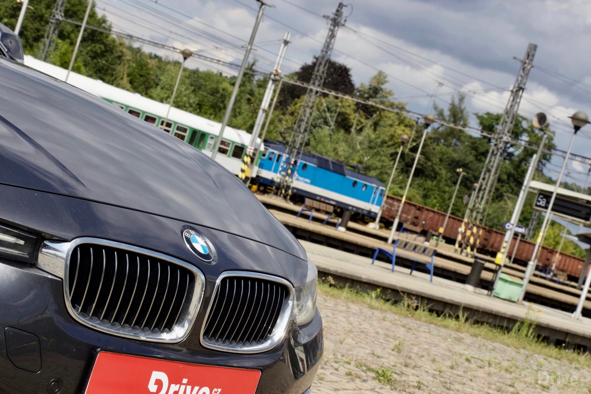 BMW 330e (2015)