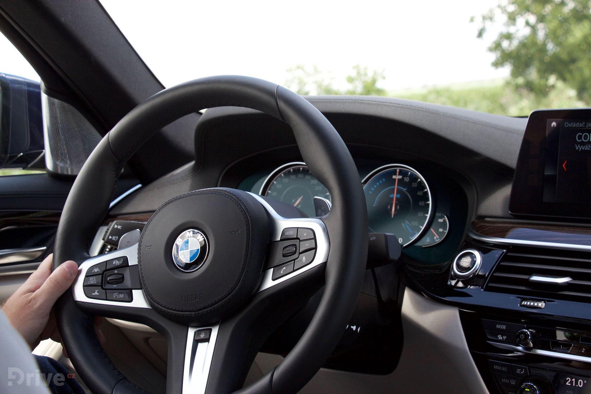 BMW 530e (2017)