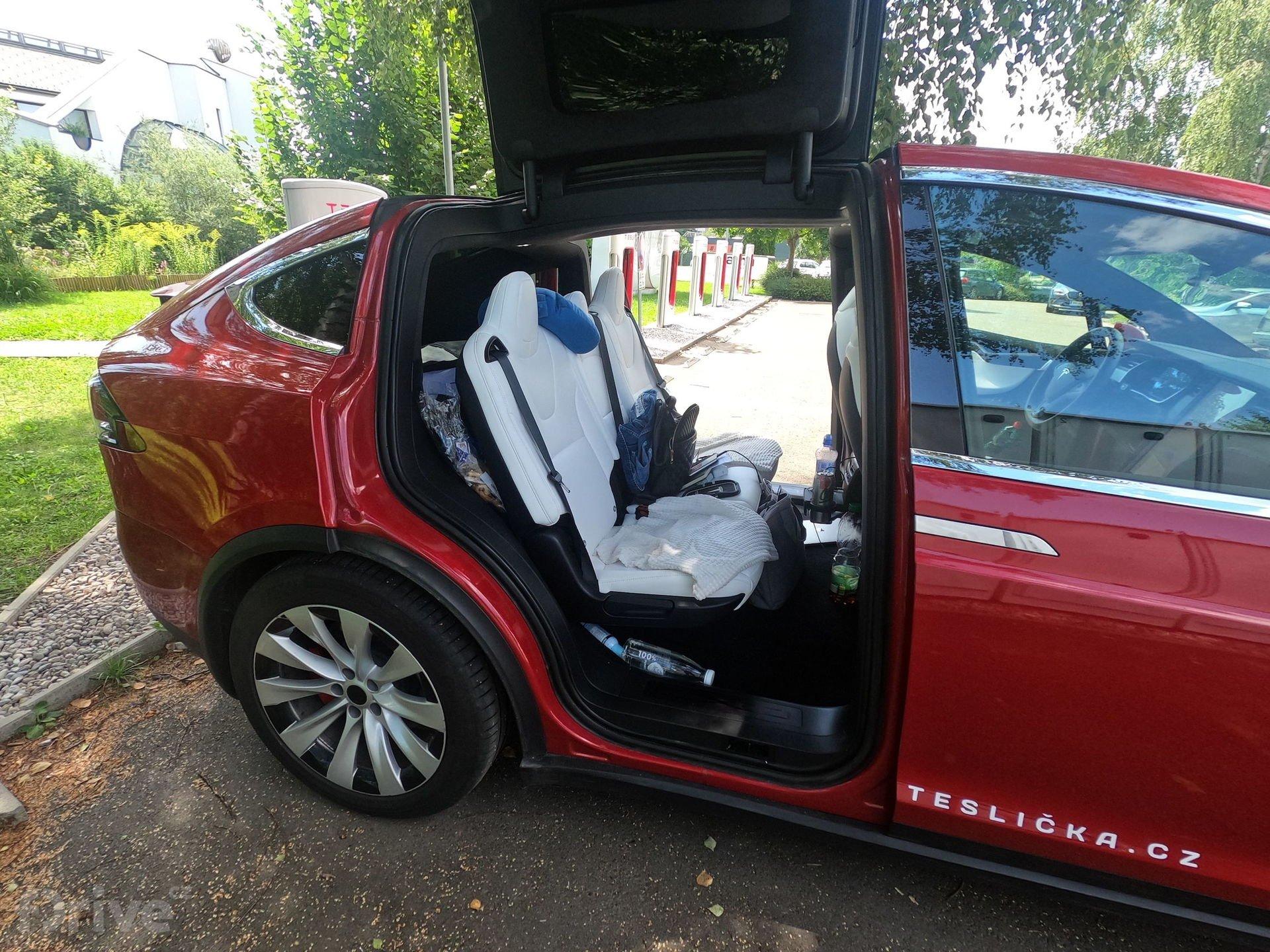 Cesta do Chorvatska - Tesla Model X