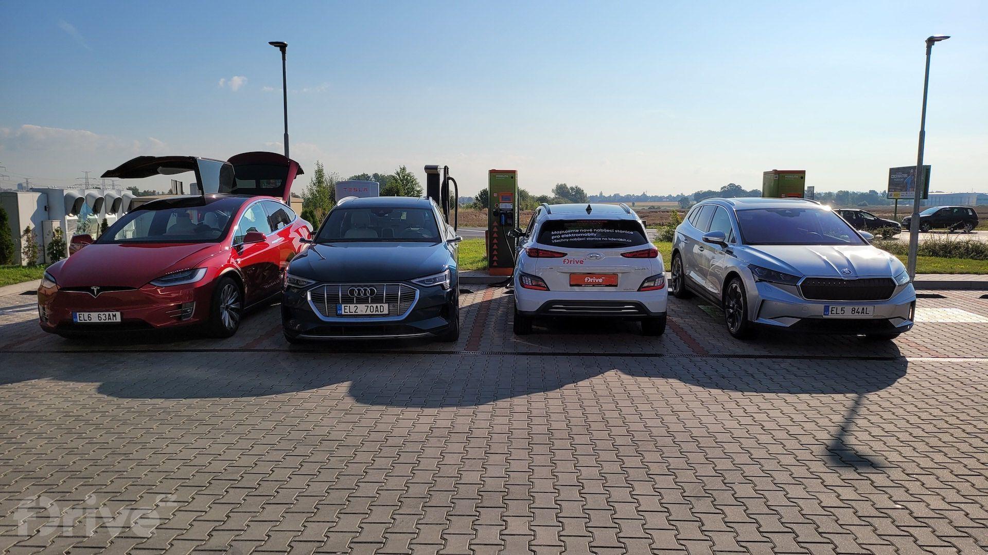 Elektromobily před odjezdem do Chorvatska