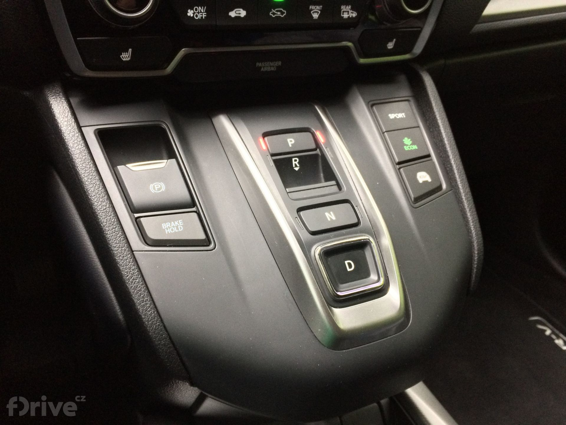 "Honda CR-V Hybrid - volič \""převodovky\"""