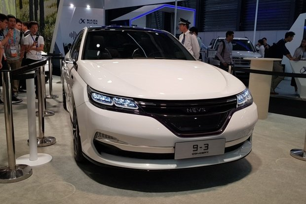 Znovuzrozený Saab naživo. Podívejte se, jak vypadá elektrický NEVS 9-3