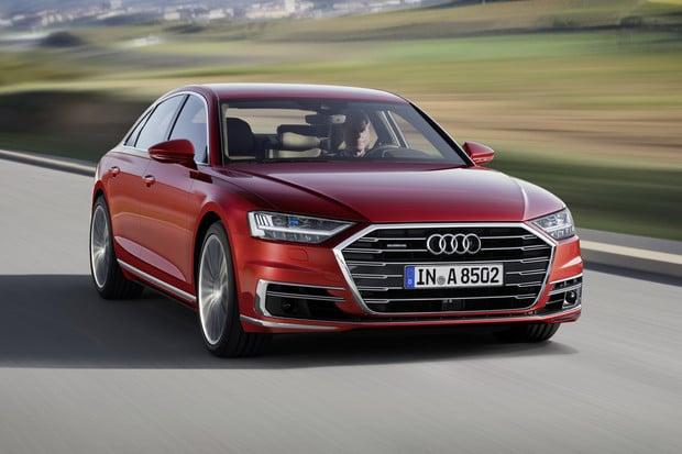 Nový král technologií na čtyřech kolech je tu. Přivítejte Audi A8
