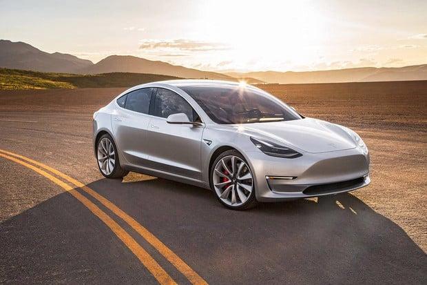 Jak si vede první Tesla Model 3 s více jak 160 000 najetých kilometrů?