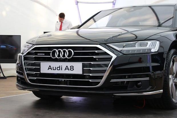 Technologie zabalená v elegantním a majestátním podání. To je nová Audi A8