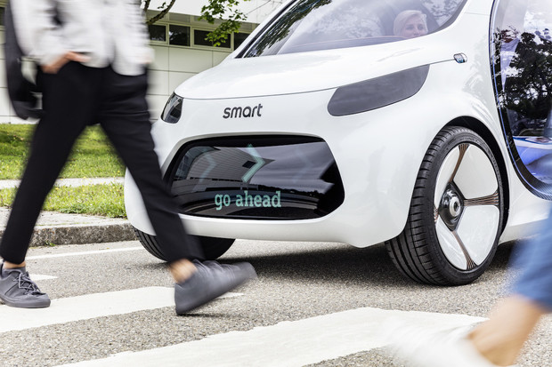 Autonomní elektrický smart je zabiják taxi služeb