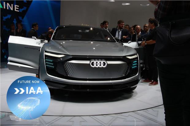 Audi skočilo do autonomního světa rovnýma nohama. Představilo koncept Elaine