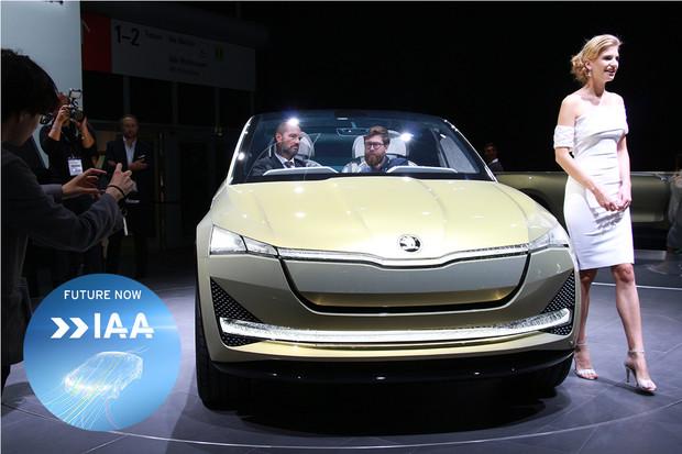 Škoda Vision E naživo. Jak daleko je sériové výrobě?