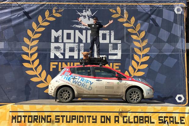 Známou Mongol Rally dokončil první tým s elektromobilem