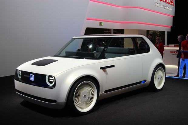 Honda ukázala interiér svého nového elektromobilu. Představí se v Ženevě
