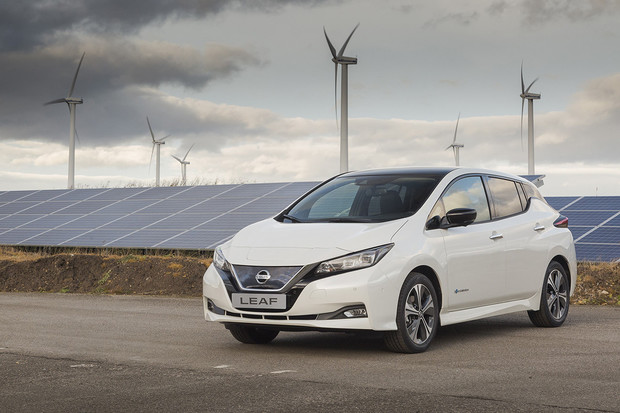 Uplynulý rok se v EU registrovalo více jak 380 tisíc elektromobilů a plug-in hybridů