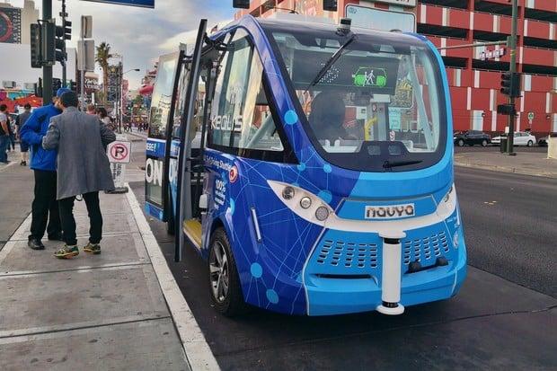 Budoucnost se blíží mílovými kroky. V Las Vegas nás svezl autonomní autobus
