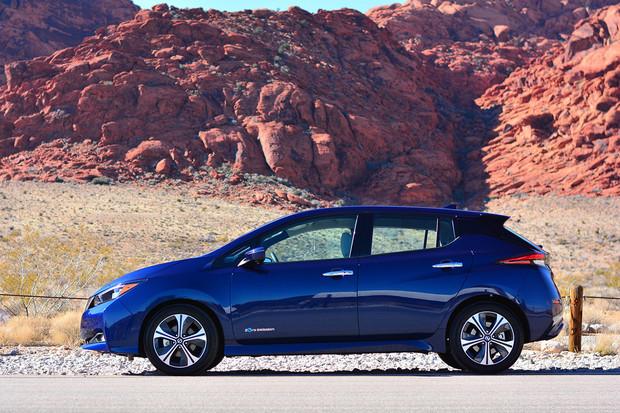 V nevadské poušti jsme projeli nový Nissan Leaf