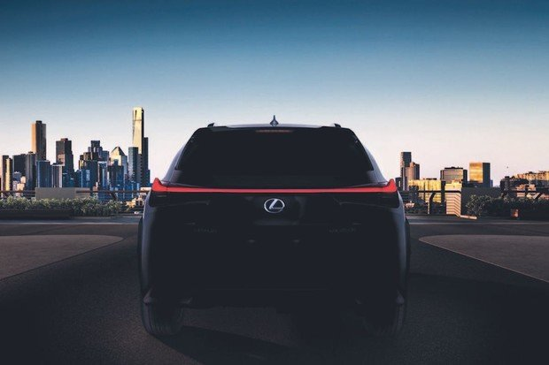 Lexus nám ukáže zatím nejmenší crossover. UX bude samozřejmě i hybrid