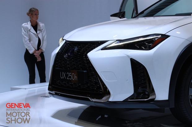 Lexus UX 250h má novou hybridní verzi. Bude prý hodně zábavná