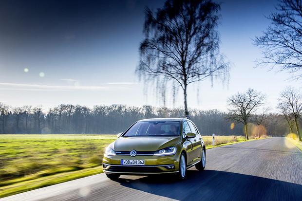 Nejnovější Golf mild-hybrid je úspornější než diesel. Bude tomu tak i v reálu?
