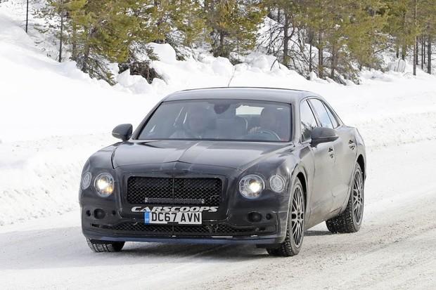 Bentayga nebude jediný plug-in hybrid od Bentley. Flying Spur se už testuje