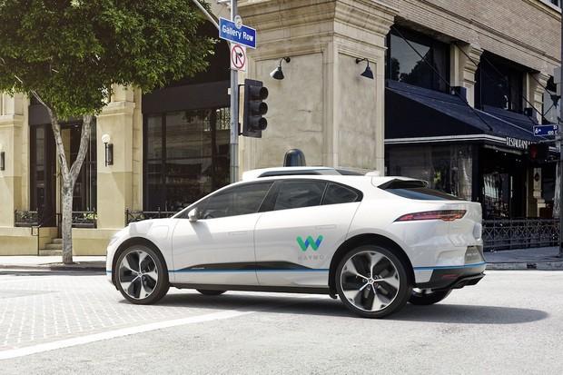 Plnohodnotné autonomní řízení nikdy nebude existovat, řekl CEO Wayma John Krafcik
