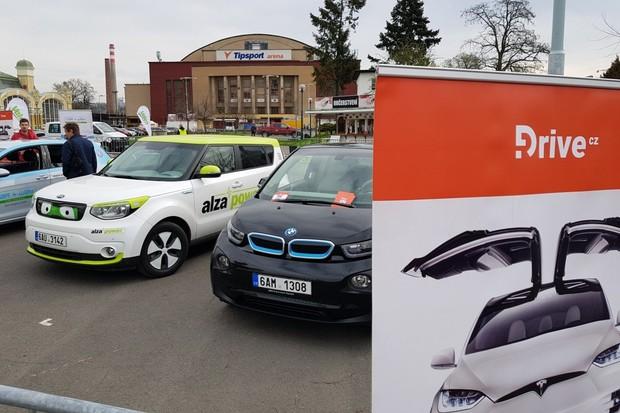 Na Autoshow jste o náš stánek s elektromobily měli velký zájem!