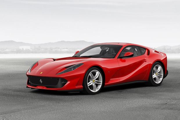 Ferrari bude muset postavit elektromobil, i kdyby nechtělo. Proč?