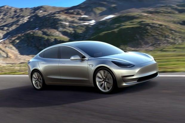 Model 3 získává evropskou homologaci. První kusy jsou již na cestě