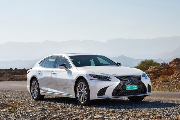 Lexus LS dostane silnější verzi hybridního pohonu. Uvažuje se i o vodíku