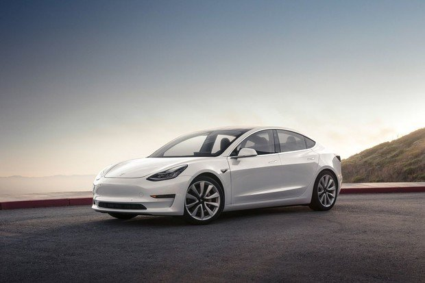 Tesla plánuje zlevnit v Číně Teslu Model 3 o 20 procent