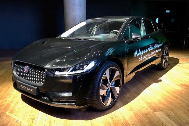 Jaguar I-PACE se poprvé ukázal v ČR. Prohlédli jsme si ho na vlastní oči