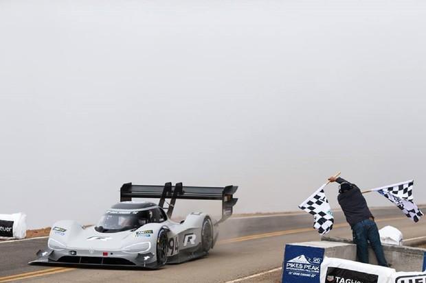 Elektrický Volkswagen I.D. R pokořil veškeré dosavadní rekordy na Pikes Peak
