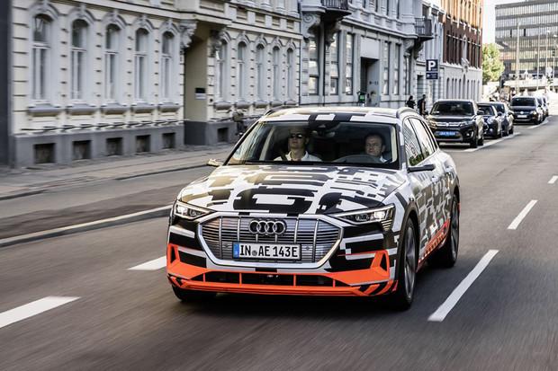 Známe datum oficiální premiéry Audi e-tron
