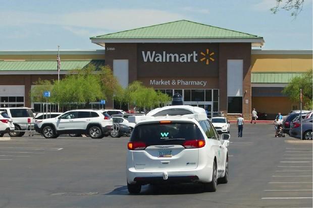V americkém Chandleru budou zákazníky Walmartu vozit na nákup autonomní vozy Waymo