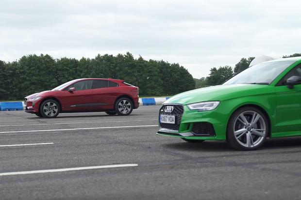 Audi RS3, nebo Jaguar I-PACE? Benzin, nebo elektřina? Sportování, nebo praktičnost?