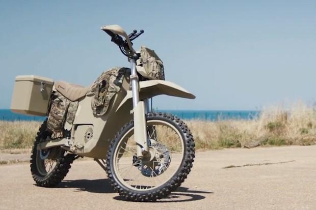 Kalašnikov představil další modely elektrických motorek. Dostanou se i k civilistům?