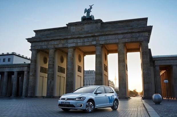 Volkswagen spouští elektromobilní carsharing We Share. Zatím jen v Německu