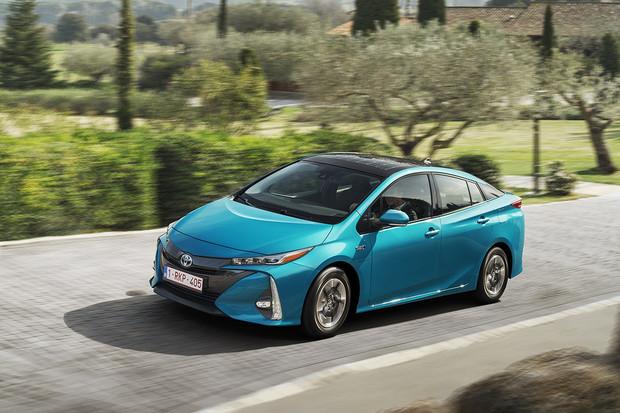 Zájem o hybridní auta ve firemních flotilách roste, tvrdí Toyota