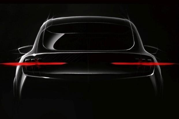 Elektrické SUV od Fordu se inspiruje legendárním Mustangem. Ujede až 500 km