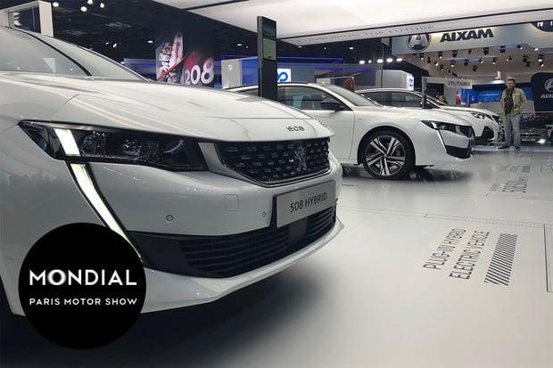 Peugeot na domácí půdě odhalil hybridní rodinu. Modelu 508 to moc sluší