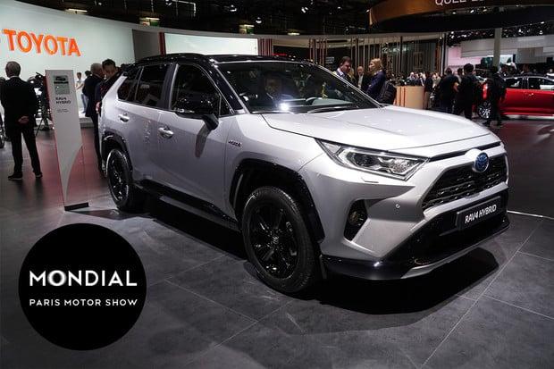 Toyota RAV4 je pravé hybridní SUV. V Paříži je k vidění nová generace