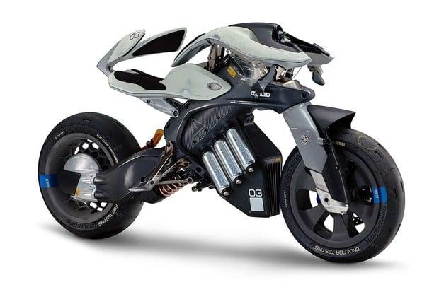 Motorka jako živá bytost ovládaná gesty, to je Motoroid od Yamahy