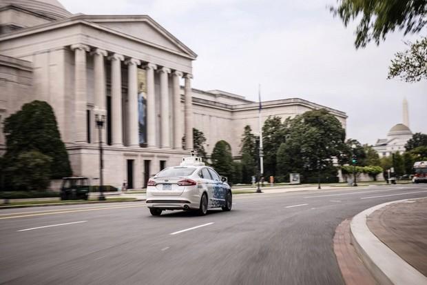 Ford získal ve Washingtonu D.C. povolení k testování autonomních aut