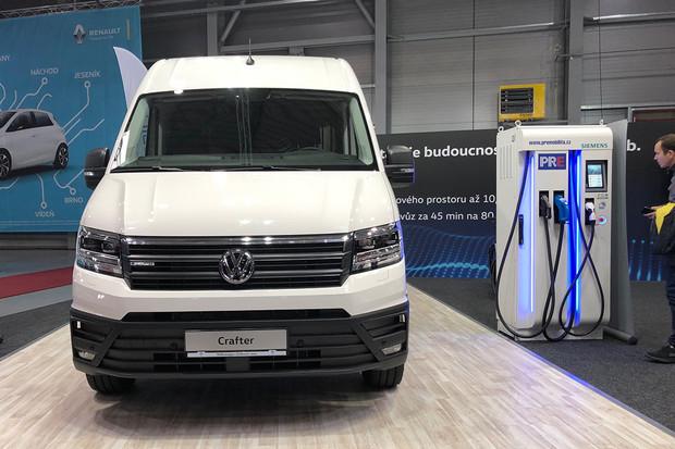 Volkswagen e-Crafter zamířil na český trh. Cena činí 1,6 milionu a dojezd 173 km