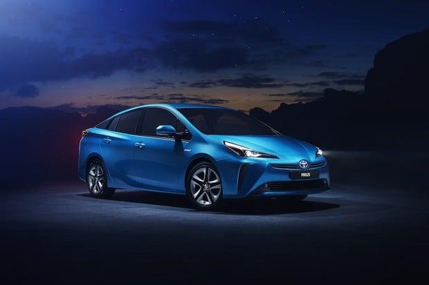 Toyota Prius pro rok 2019 dostane pohon všech kol