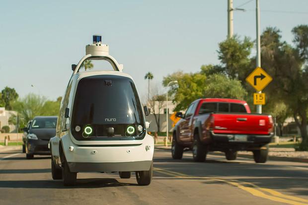 V Česku vám nákup přiveze živý řidič, v Arizoně autonomní Nuro R1