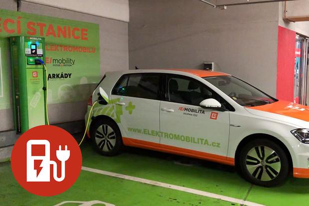 Jak nabít elektromobil u stanice ČEZ?