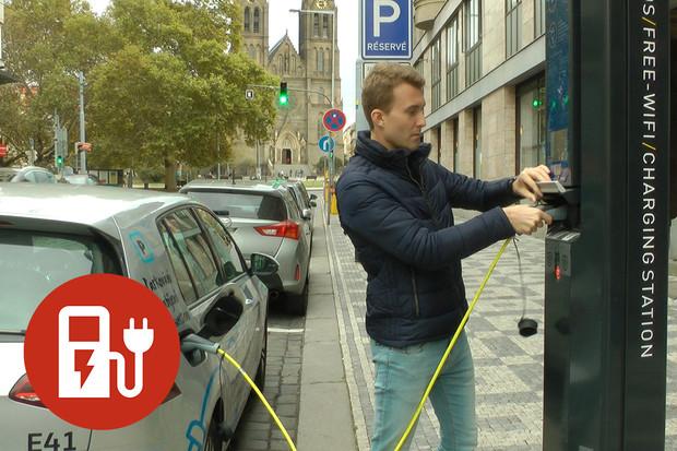 Jak nabít elektromobil na chytré lampě?