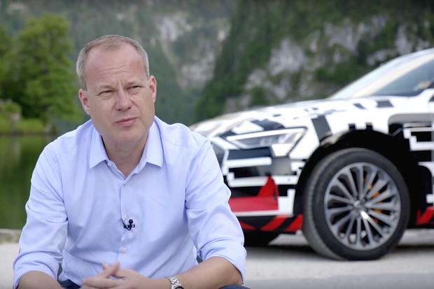 Sledujte dokument o Audi e-tron. Ukazuje elektroSUV od výroby až po testování