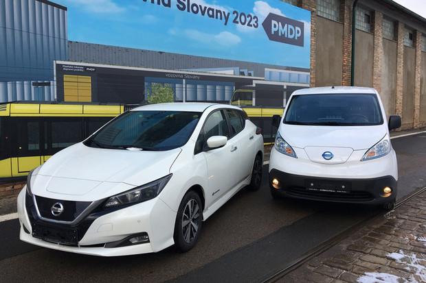 Dopravní podnik v Plzni má čtyři nové elektromobily od ČEZu